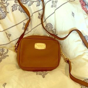 Small brown leather Michael kors purse
